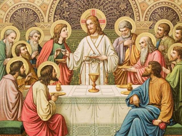 انسان خردباخته و بی اندیش اسیر خرافات و تحمیر ادیان آسمانی