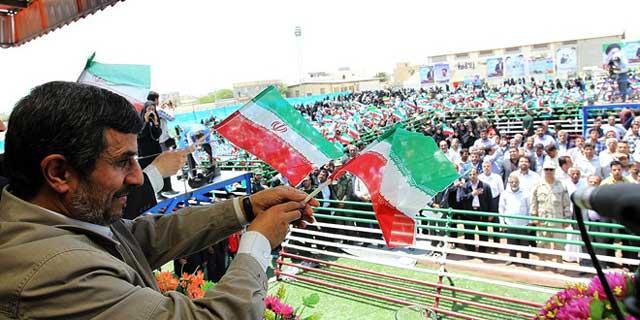 مسافرت سال گذشته احمدی نجاد به جزیره ابوموسی که موجب خشم تازیان امارات را برانگیخت.