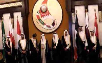 نشست سران عرب در قطر که با توطئه ادعای پوچ و احمقانه مالکیت امارات بر سه جزیره ایرانی همراه بود.