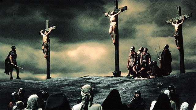 بنا به روایت دینی، عیسی مسیح و دو تن از یارانش به دستور امپراتور روم به صلیب کشیده شدند.