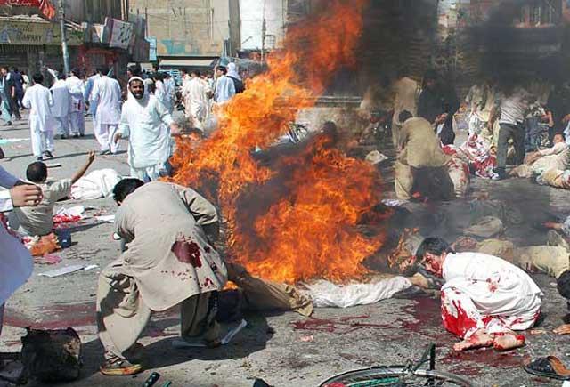 با اسلام راستین و سرشار از رحمت و کرامت در کشور پاکستان آشنا شوید. رحمتی که در همه کشورهای اسلامی سوای کشتن، زجر و شکنجه دادن و تجاوز در آن چیزی نیست.