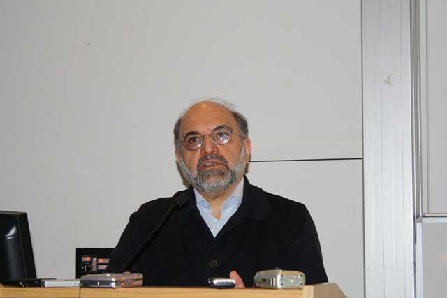 عبدالکریم سروش چهره نامطلوب ضد فرهنگ و آیین ایرانی که دانشگاهها را در آغاز انقلاب به لجن کشید و هم اکنون نیز در خارج کشور با شرکت در جلسات و برگزاری سمینارهای دینی، آب به آسیاب رژیم می ریزید و خرافات و خردزدایی را گسترش می دهد.
