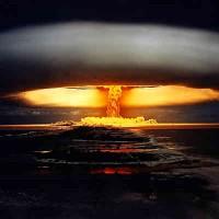 آزمایش های هسته ای در زیر زمین می تواند سبب بروز زمین لرزه شود، اما امکان رخ دادن چنین حادثه ای در ایران، بسیار کم است.