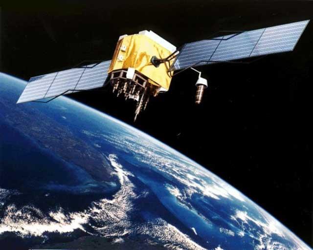 این یک ماهواره است که در حال فرود آمدن بر روی سیاره است. اگر ما به معجزه اعتقاد داشته باشیم که کاملن واهی و افسانه است، کامپیوتر اختراع انسان یک معجزه است و نه رفتن پیامبر با خر به فضا و آسمان هفتم. هم اکنون ۸۵۰۰ سیاره در فضا وجود دارند که ۵۶۰ عدد آن فعالند و به دور زمین می چرخند.