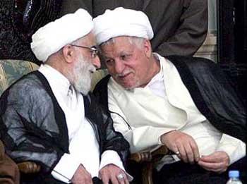 دو قهرمان دلاور رژیم اسلامی که اگر به دادگاهی برده شوند، هرکدام به دلیل جنایت هایشان به چند بار محکوم خواهند شد. ملت ایران در انتظار روزی است که انتقام خود را از این جانیان ضد ملی و ضد ایرانی بگیرد و مردم را از لوث این تفاله ها راحت کنند. به امید آنروز.