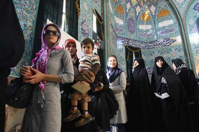 آن هایی که به خیابان ها آمده و رای دادند و به پیام تحریم انتخابات از سوی اپوزوسیون، نه گفتند، مردم ایران بوده و هستند. بی تردید دلسردی و عدم اعتماد مردم بع اپوزوسیون سبب شد تا این تراژدی غم انگیز شکل بگیرد.