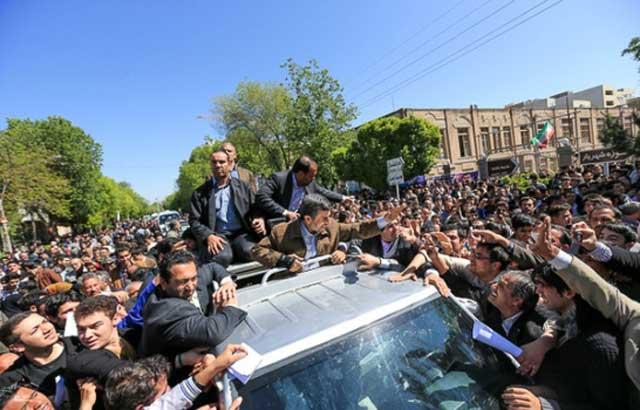 سفرهای استانی احمدی نژاد، یک نوع تبلیغ بی محتوا، در راستای تحمیر مردم و سرپوش گذاشتن بر روی واقعیت ها و مشکلات روزانه و روزافزون مردم بود. رل احمدی نژاد در این سفرهای پر خرج و پر رفت و آمد، مانند قرص آسپرین بود، در زمان کوتاهی درد مردم فراموش می شد، ولی پس از گذشت مدتی درد با همه هیبت و زشتی خود باز می گشت. دردی که جان مردم را فراگرفت و لحظه به لحظه زندگی را بر آنان سیاه و کامشان تلخ می کند، درد وجود ولایت فقیه است.