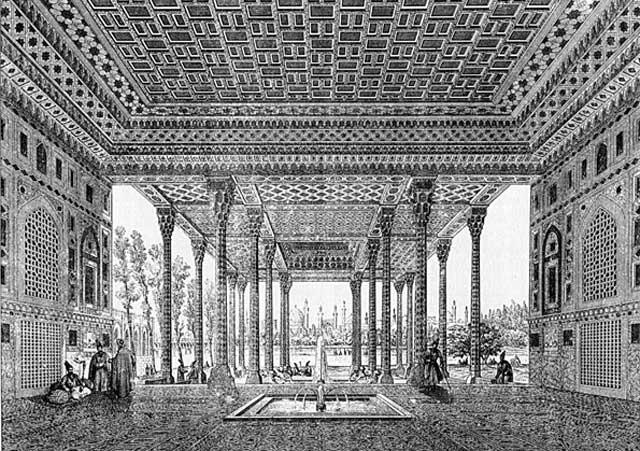 این نمای درون ساختمان خانه معروف به دائی جان ناپلئون را نشان می دهد که از نظر معماری و هنر بسیار باارزش و تاریخی می باشد.