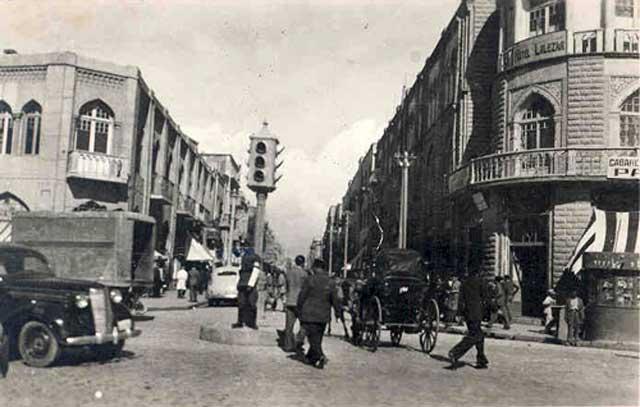 خیابان لاله زار یکی از تاریخی ترین و قدیم ترین خیابان های تهران است. در گذشته این خیابان مرکز تئاتر، سینما، و هنرهای گوناگون بود. از روزی که رژیم نحس اسلامی سرنوشت کشورمان را به دست گرفت، سینماها و تماشاخانه های بسیار معروف این خیابان و جاهای دیگر تهران سوختند و از میان رفتند. به جای آنها به ساختن بنگاه خرسازی و یا مسجد، حسینیه و یا به عنوان مکان های سودجویی تجارتی در آوردند.