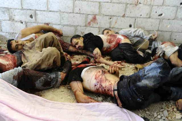 حقیقت این است که در جنگ داخلی سوریه، جنایت دوسويه بود؛ شورشیان تروریست سلفی کشتند و سربازان بشار اسد نیز به همچنین، چرا کشتارهای بشار اسد را در بوق و کرنا کرده اید ولی از خون هایی که ارتش القاعده ای مسلک به ظاهر آزادی بخش سوریه می ریزد، دم نمی زنید؟ _ سیروس پارسا _