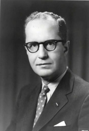 کرمیت روزولت Kermit Roosevelt، رئیس  شعبه سی آی ای CIA'در خاور نزدیک، سرپرست عملیات کودتا