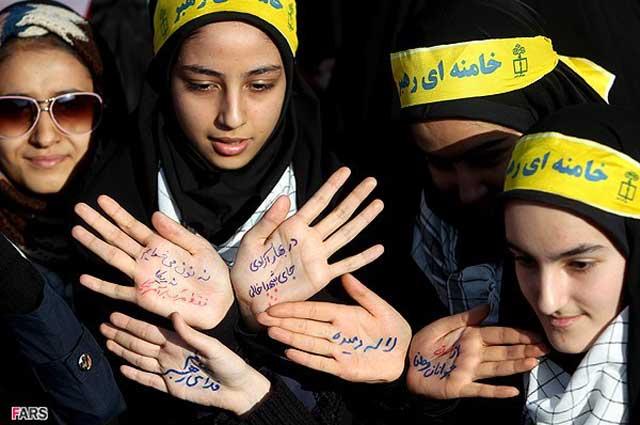 این دختران ترشیده و بی سواد هم از سربازان  گمنام امام زمانند که زندگی را بر بانوان کشورمان سیاه کرده اند.