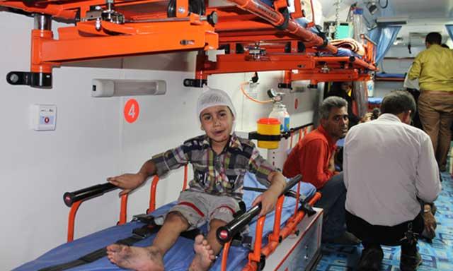 امیر حسین کودک ۶ ساله ای که بازمانده این تصاد خونین است. تصادفی که در آن ۴۳ نفر، نیمی از مسافرین دو اتوبوس سوختند.