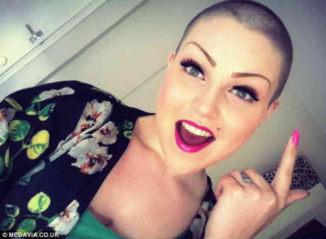 این خانم توانسته به کمک پیام های دلگرم کننده دوستانش در فیسبوک، قدرت لازم برای جنگیدن با بیماری دردناک سرطان را به دست آورد! بر خلاف آنچه حکومت اسلامی ایران ادعا می کند، شبکه های اجتماعی محیطی بسیار با اخلاق و انسان دوستانه را پدید آورده اند. سیروس پارسا