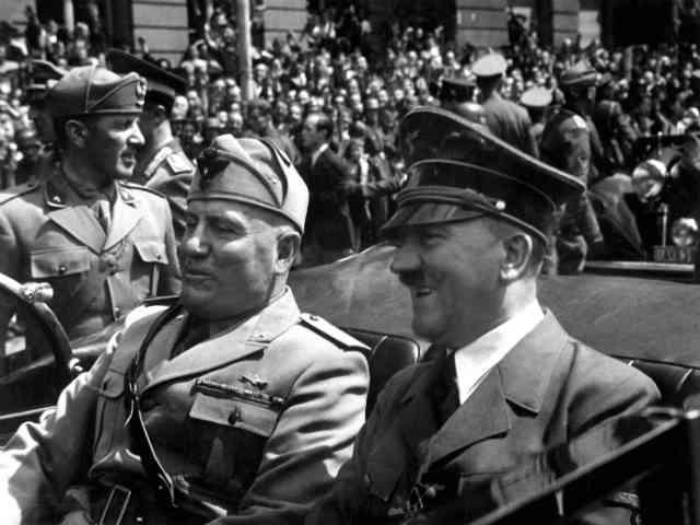 موسولینی و هیتلر هر دو دیدگاه های فاشیستی داشتند و نظام هایی توتالیتر تشکیل دادند که جز مصیبت و نکبت برای مردمان جهان، ارمغانی نداشت.  سیروس پارسا