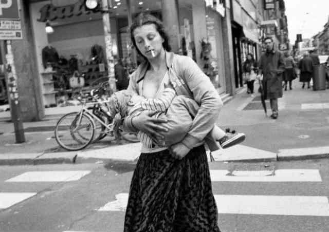 خطر ابتلا به سرطان سینه در زنان سیگاری، حتی اگر به نوزادان خود بیش از شش ماه شیر داده باشند، با زنانی که به نوزادان شان شیر نداده اند، برابر است.  سیروس پارسا