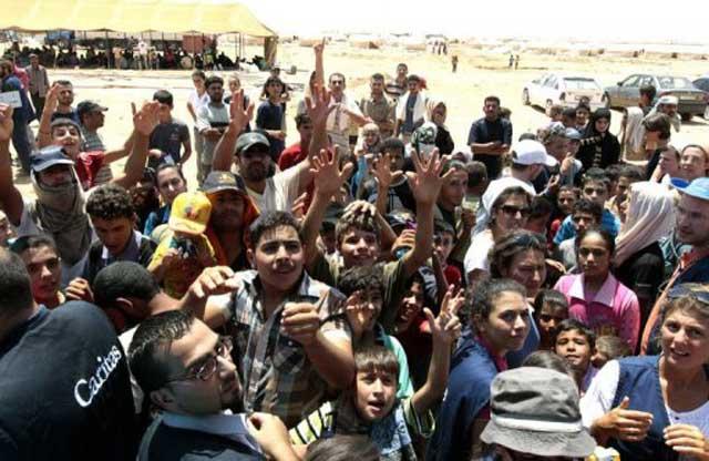 کودکان درمانده و فلکزده سوریه، گرسنه،  تشنه، و  سرگردان  در لبنان و ترکیه اند تا کاخ کرملین و خلافت گاه جماران، همچنان سرمست شادی و شادمانی بمانند. اینهم عدالت اسلامی، و عدالت روسیه جهان خوار است.