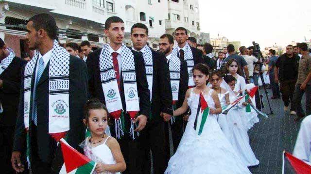این ازدواج کیلویی در غزه با کودکان خردسال با رهنمودی از ازدواج پیامبر اسلام است. در ایران ازدواج های کیلویی از برکت اسلام راستین زیاد دیده شده، ولی ما تصویری آنها در اختیار نداریم.