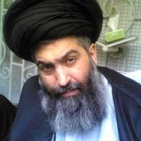 فرتور آقای کاظمینی بروجردی که هشت سال است در سیاهچاله های رژیم، به خاطر اعلام مخالفت با حکومت دینی و اصل ولایت فقیه به سر می برد را نشان می دهد. _ سیروس پارسا
