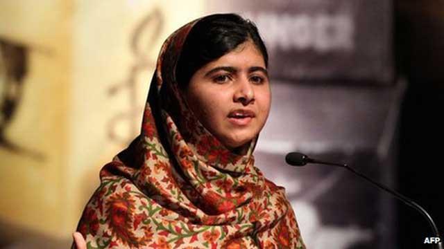 ملاله که به سختی از مرگ نجات پیدا کرده، هم اکنون به فعالیت های فرهنگی خود در راه آموزش زنان و دختران پاکستان و رهایی از جور ستم طالبان ادامه می دهد،