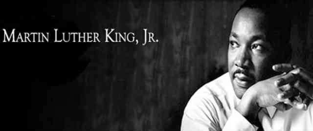 مارتین لوتر کینگ جونیور، رهبر جنبش برابری خواهی و مبارزه بر علیه نژاد پرستی در آمریکا بود، او امروز الگوی بسیاری از جوانان سیاه پوست در سراسر دنیاست. _ سیروس پارسا _