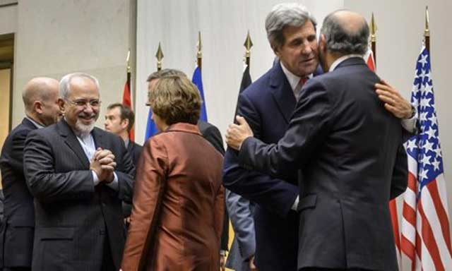 john-kerry-hugs-and-kisses-Mohammad-Javad-Zarif