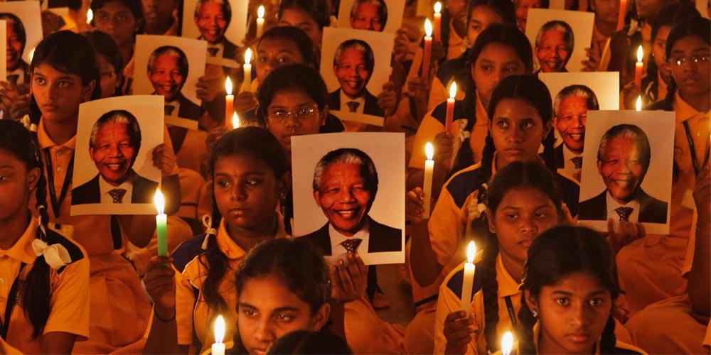 خاطره نلسون مندلا در قلب و روح هر کودک، جوان، و افراد بزرگسال همه آفریقا و حتی سرتاسر جهان ماندنی و جاودانی است.