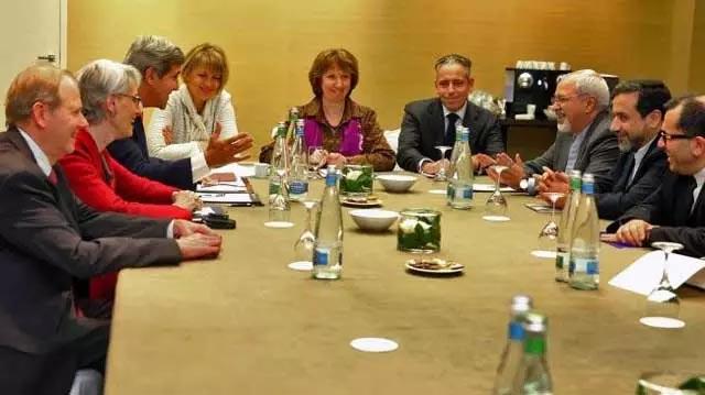 نتیجه مذاکرات چند هفته اخیر به یک توافق دو طرفه انجامید که طی آن فعالیت های هسته ای ایران محدود و تحت کنترل و نظارت نهادهای بین المللی در می آید و غرب نیز بسیاری از تحریم های سنگین را به حالت تعلیق در می آورد.