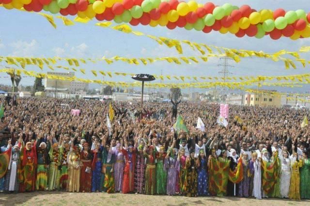 (مردم کردستان درباره جشن نوروز هرگز کوتاهی نکرده اند)