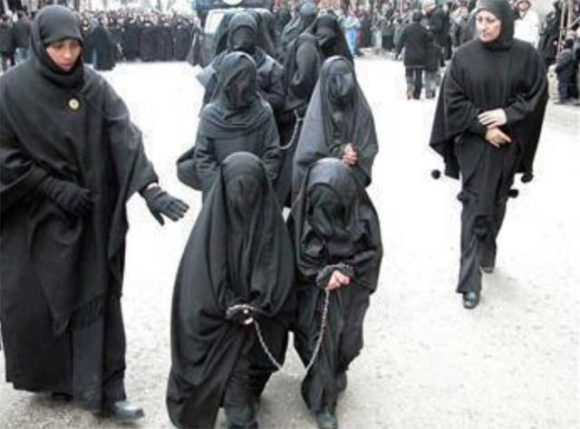 مقام شامخ زن در اسلام را ببینید و تماشا کنید. اسلام و رژیم های اسلام زده از زن چه می خواهند؟. آیا سوای کنیزی، بردگی، کلفتی، و به صیغه در آوردن، هدف دیگری دارند؟