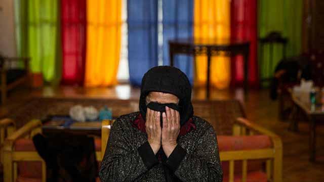 مادر بلال (محکوم به اعدام) یک روز پیش از اجرای مراسم