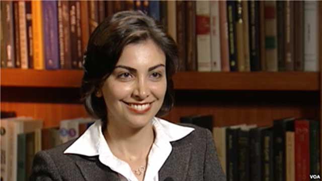 خانم پرفسور مونا جراحی که بزرگترین نشان تحقیقات و پژوهش های علمی را از کاخ سپید آمریکا دریافت کرد، موجب افتخار هر ایرانی و بشریت است.