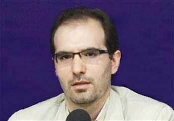 این آغا مزدور و کاسه لیس رژیم اسلامی  هادی شریفی است که برای ۳۷ میلیون زنان ایران برنامه ریزی می کند و آنان را در صورت بد حجابی تهدید به حمله و تجاوز بدانان می کند.