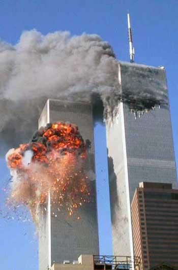 دون شک حمله ترورییست های مسلمان در ۱۱ سپتامبر به برج های دو قلوی نیویورک یکی از تلخ ترین و وحشتاک ترین عملیات های تروریستی مذهبی در سال های اخیر و شاید بتوان گفت در قرن حاضر است. به راستی مذهب به غیر از ترور و ایجاد وحشت و کشتار انسان های بیگناه چه دستاوردی برای انسان داشته است؟