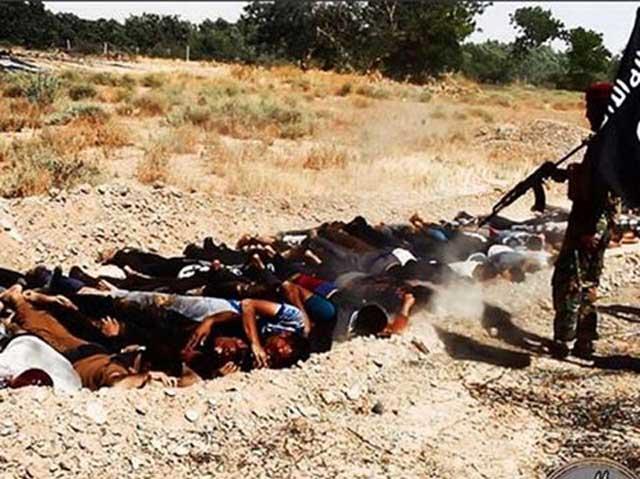 گروه«داعش» هزار و هفتصد نفر از دانشجویان کالج نیروی هوایی عراق که خود را تسلیم آنها کرده بودند، اعدام کرد.