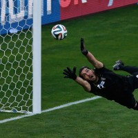 world-cup-iran-argentina-iranian-goalkeeper
