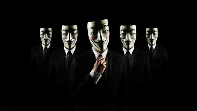 مواظب باشید که در دنیای مجازی به چه کسانی اجازه می دهید که به شما نزدیک شوند! مزدوران حکومت همه جا هستند!
