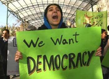 دموکراسی و آزادی حق مردم و خواست مردم ایران است. این فریادی است که از گلوی هر ایرانی خردمند بیرون خواهد آمد.