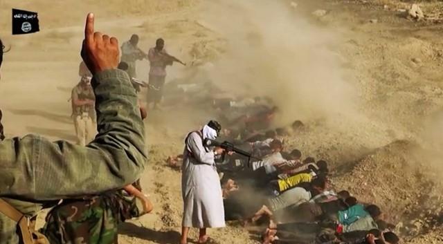 داعش اسیران خود را به روش اسلامی اعدام دسته جمعی می کند! داعش بزرگ در سال ۱۳۶۷ در ایران نیز زندانیان عقیدتی - سیاسی را همینگونه به خاک و خون کشاند!