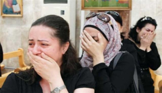 شماری از زنان و دختران ایزدی در شنگال که از سوی گروه جنایتکار اسلامی داعش ربوده شده، نخست بدانان تجاوز و سپس در بازار موصل به فروش رساندند.