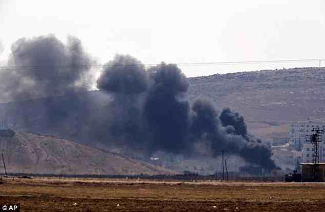 این یک صحنه پرتاب بمب از سوی داعش به شهر کوبان است که بی تردید تلفات و خسارات زیادی را به همراه داشته است.