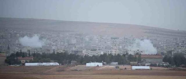 بمب افکن های آمریکا و کشورهای عربی نقاطی از شهر کوبان که در محاصره داعش بود بمباران کردند.