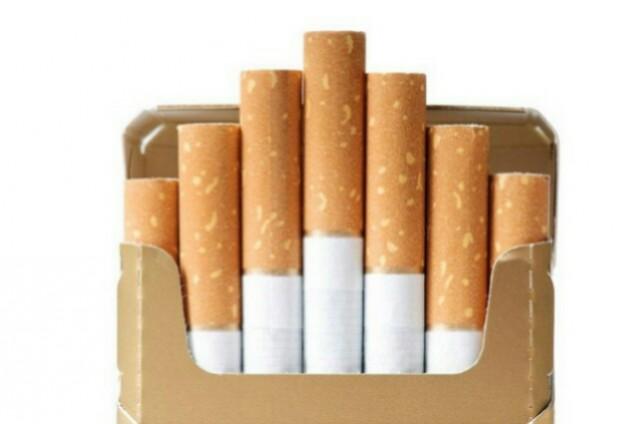 آنهایی که از سیگار الکترونیکی استفاده می کنند بر این باورند که سیگار معمولی موجب سرطان، بیماری قلبی و سکته مغزی شده، در حالی که سیگار الکترونیکی بدون چنین عوارض است.