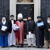 صدهزار امضاء از سوی خردباختگان اسلامی انگلیس در طرفداری آدم کشان پاریس و جنایات آنان در مجله شارلی ابدو در ژانویه ماه پیش.
