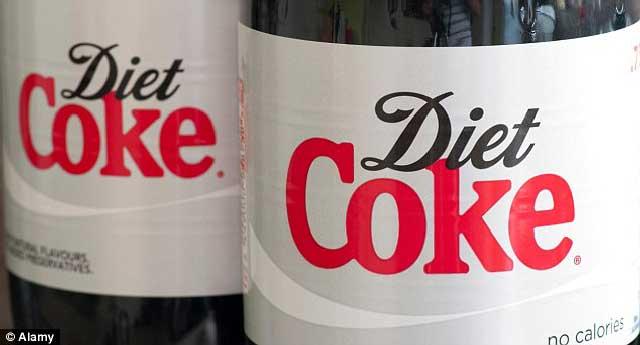کوکای رژیمی Diet Coke چه واژه فریبنده ای که انسان ها را به عنوان بی ضرر بودن و تأثیر بد نداشتن روی بدن موجب می گردد که از خرد و کلان بی مهابا و بدون ترمز روزانه یک و یا چند بار از آن بنوشند ولیکن غافل از آن که بیماری های گوناگون و مرگ به دنبال آنست.
