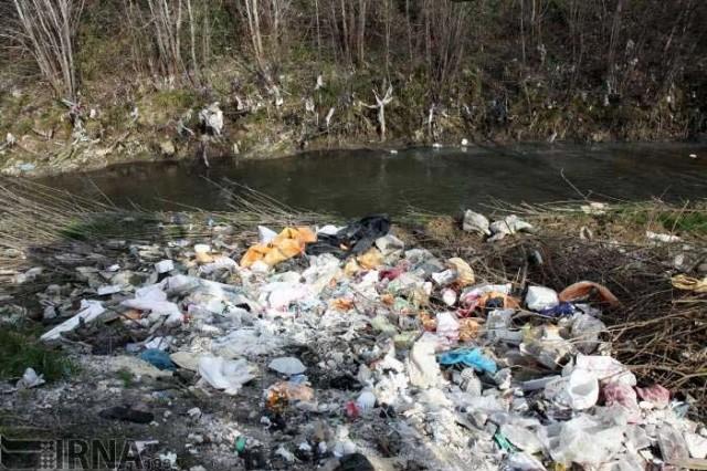 """آب دو رودخانه """"زرجوب""""، و """"گوهر رود"""" در گیلان از وجود آلاینده گوناگون آلوده شده است"""