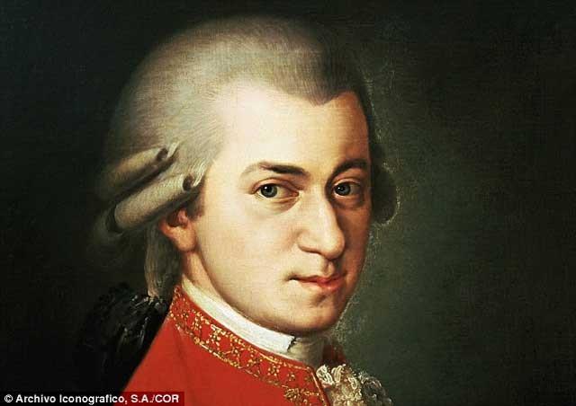 گوش کردن به آهنگهای موزارت  Wolfgang Amadeus Mozart موجب افزایش حافظه می شود.