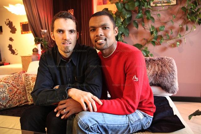 این دو جوان مسلمان ، در فرانسه با هم ازدواج کردند.