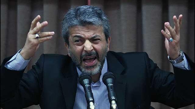 این مزدور ابله دیگری است که دانشگاههای ایران را به لجن کشانید و کشورمان را از نظرآموزش عالی نابود و عقب مانده ساخت. او با این ریخت و قیافه چندش آور، وزیر به اصطلاح علوم است .
