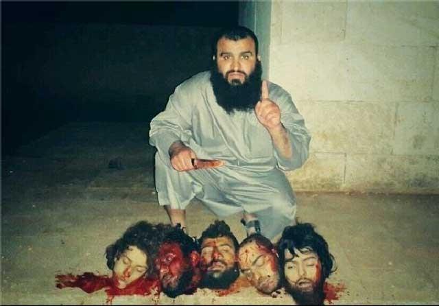 این همان امام زمان خیالی شیعیان جهان است که در عراق ظهور کرده و دسته دسته مردم را به  قتل می رساند.